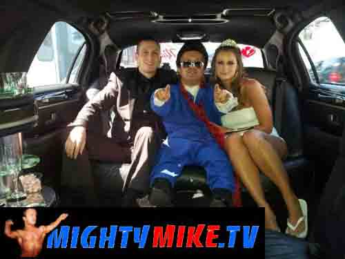 Midget elvis las vegas video Silvia